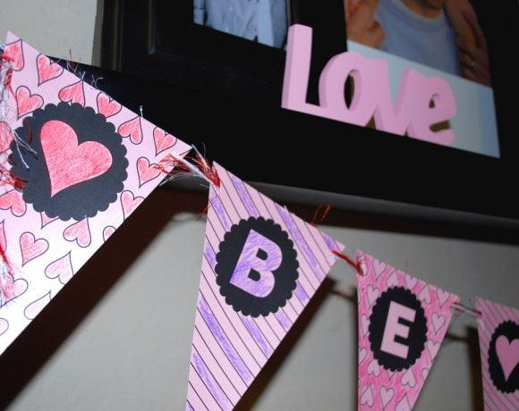 DIY Valentine Banner