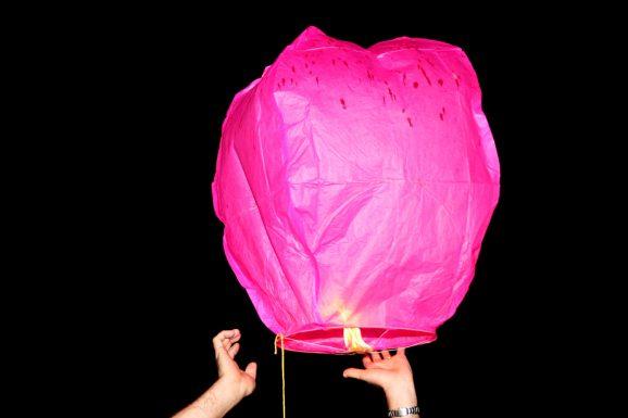 Rapunzel Sky Lantern Lift-off