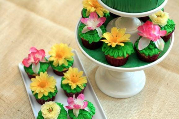 Tangled Birthday Cake Wildflower Cupcakes