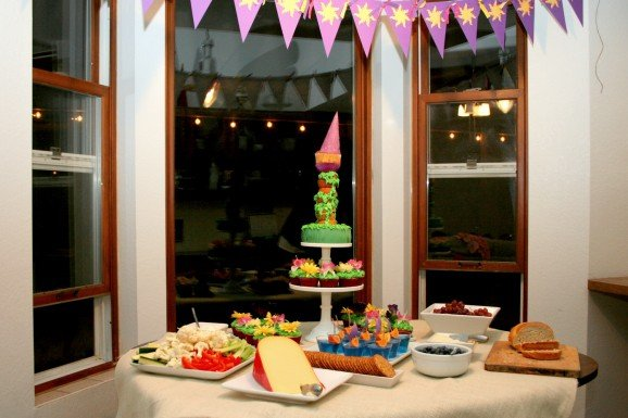 Tangled Rapunzel Party Food and Birthday Cake