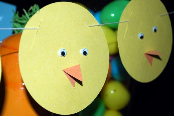 kid easter crafts chick banner hung