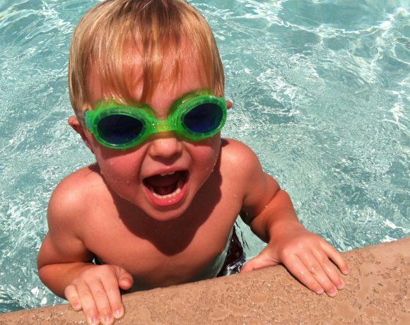 Super Swimming Goggles