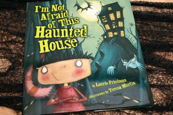 Cover I'm Not Afraid of This Haunted House
