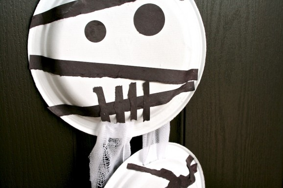 Paper Plate Mummy Face Close-up