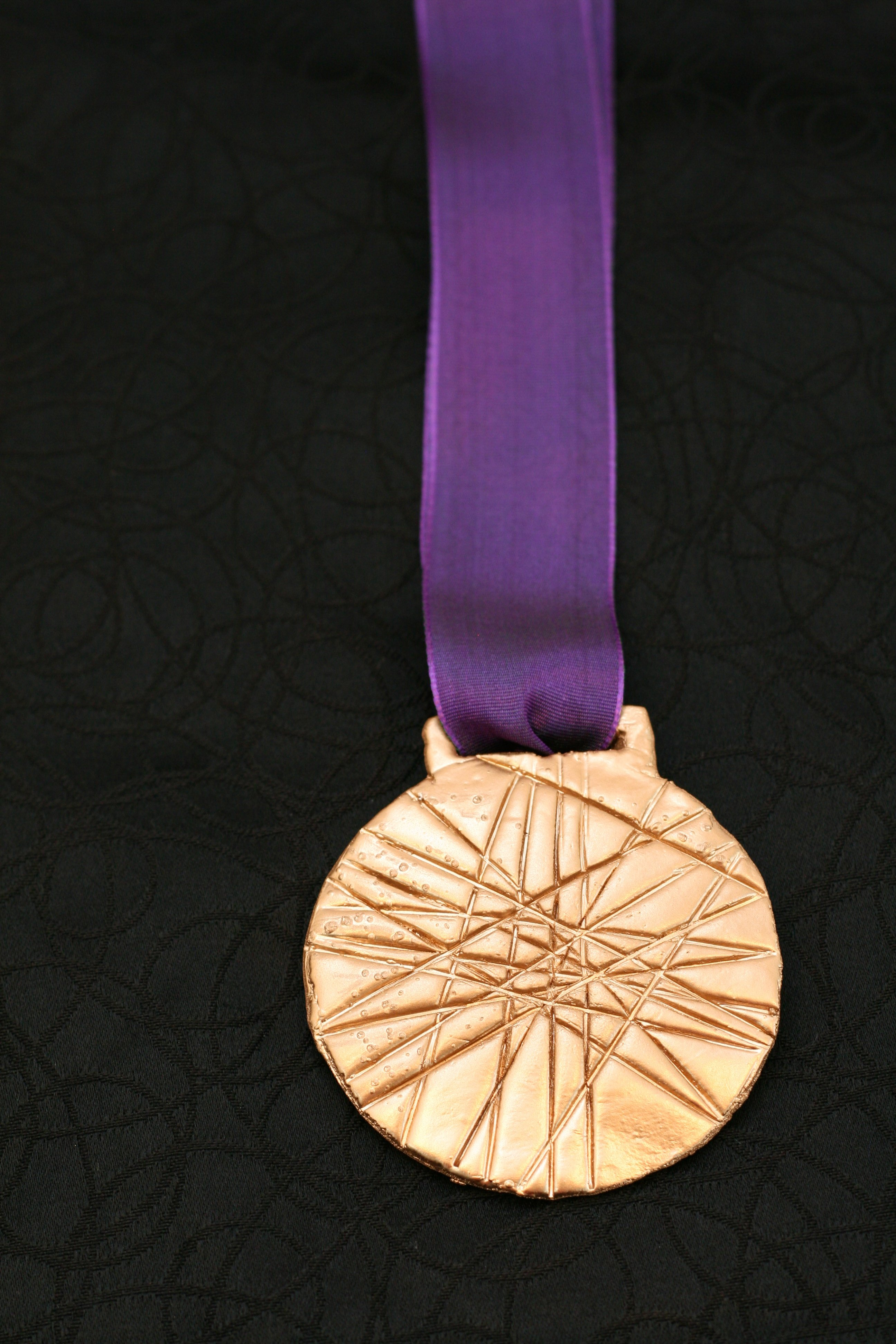 Make a Gold Medal - Paging Supermom