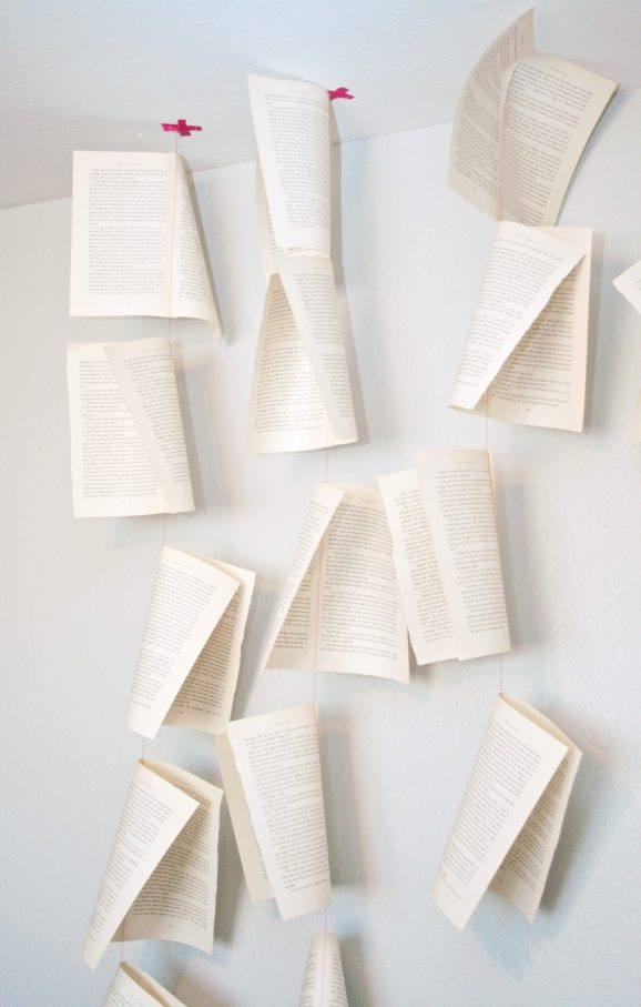 Love the texture of this book page mobile #books #babymobiles pagingsupermom.com