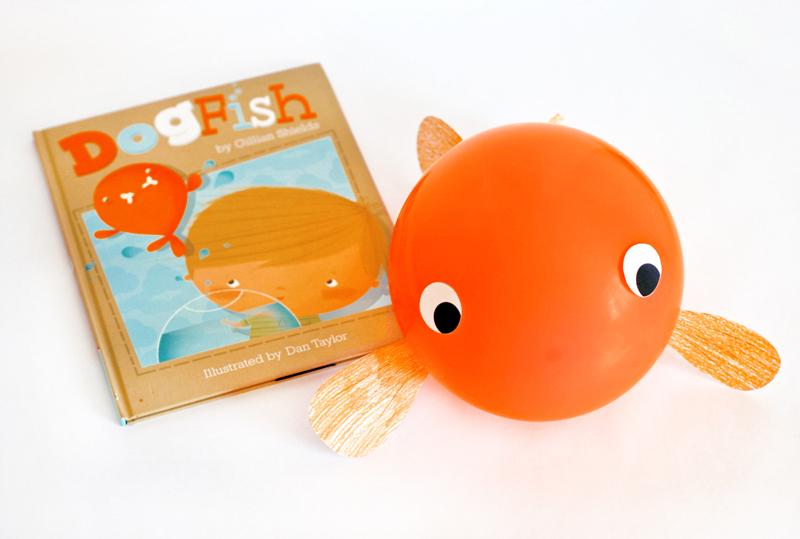 Adorable Balloon Goldfish Craft with Free Printable Template at PagingSupermom.com #goldfish #kidscraft #fishcraft