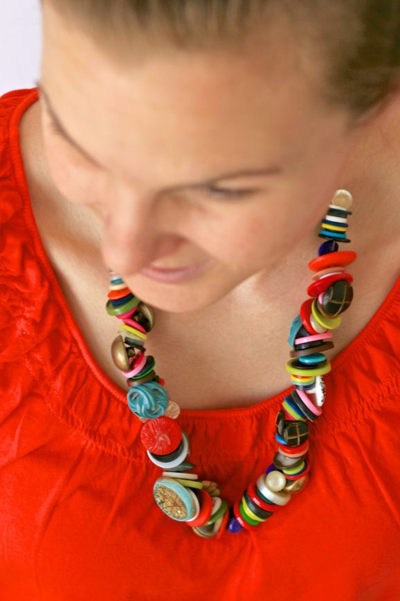 Easy Button Necklace for Mom at PagingSupermom.com #mothersday