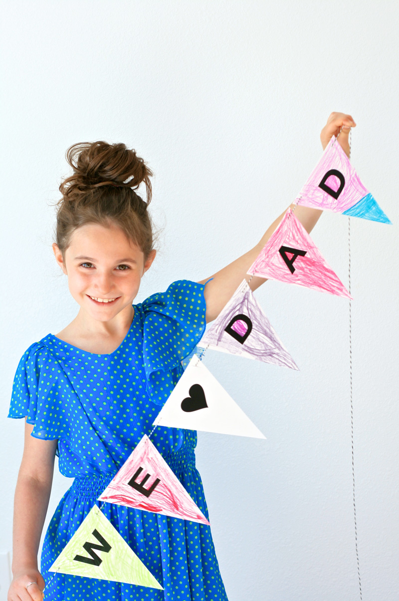 Download this FREE Father's Day Printable Banner at PagingSupermom.com