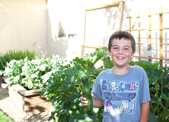 Kids Gardening: Kids are more likely to eat veggies they grow! PagingSupermom.com #supertips