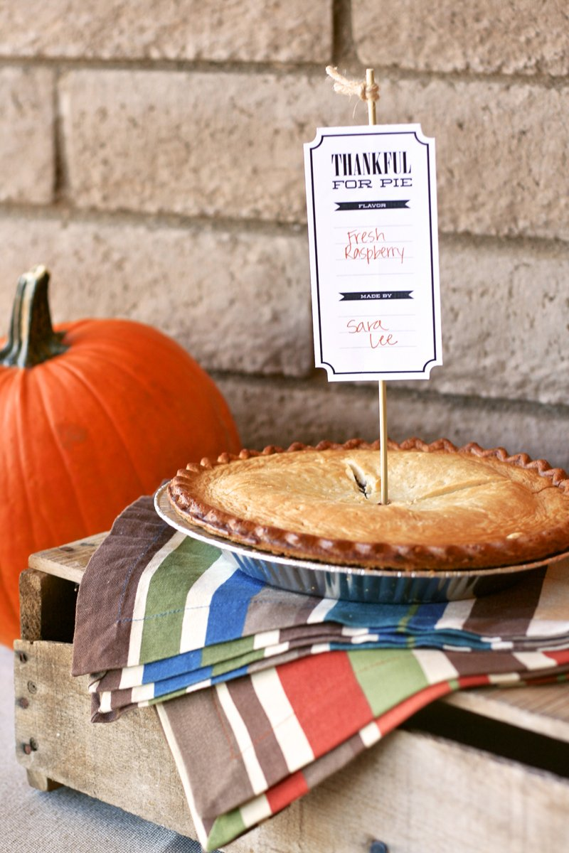 Free Printable Thanksgiving Pie Tags via @PagingSupermom #thanksgiving