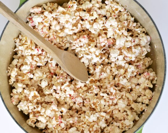 This Candy Cane Popcorn Recipe is the Best!