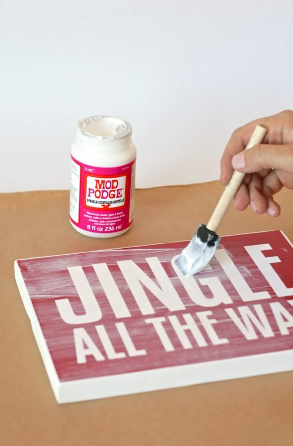 Jingle All the Way free printable Mod Podge Sign at PagingSupermom.com
