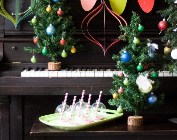 Handmade Holiday Decor + Free Printables
