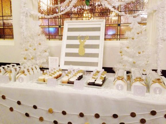 White Christmas Decor ideas at PagingSupermom.com
