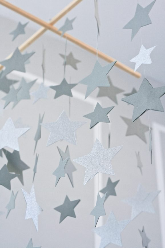 How to Make a Star Mobile at PagingSupermom.com