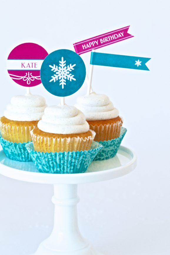 Frozen Cupcake Toppers and lots of fun party ideas at PagingSupermom.com #frozen