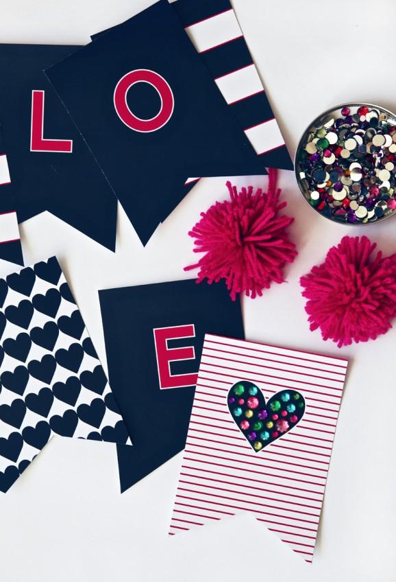 Preppy LOVE Banner free printable at PagingSupermom.com #freeprintables #valentines