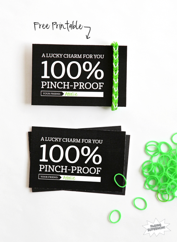 Cute FREE printable gift tag  for Rainbow Loom Lucky Charm via @PagingSupermom for St. Patrick's Day #RainbowLoom