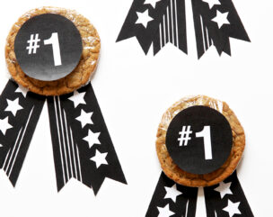 Father's Day Gift Idea: No. 1 Dad Cookie Medal + Free Printable