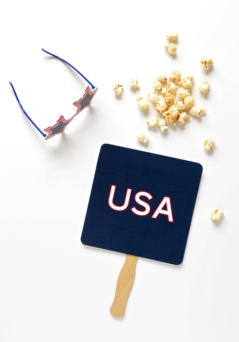 Free Printable Parade Fan for the Fourth of July via @PagingSupermom #july4th
