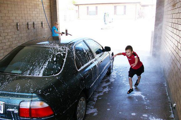 Books Alive: Scrubbly Bubbly Car Wash - Paging Supermom