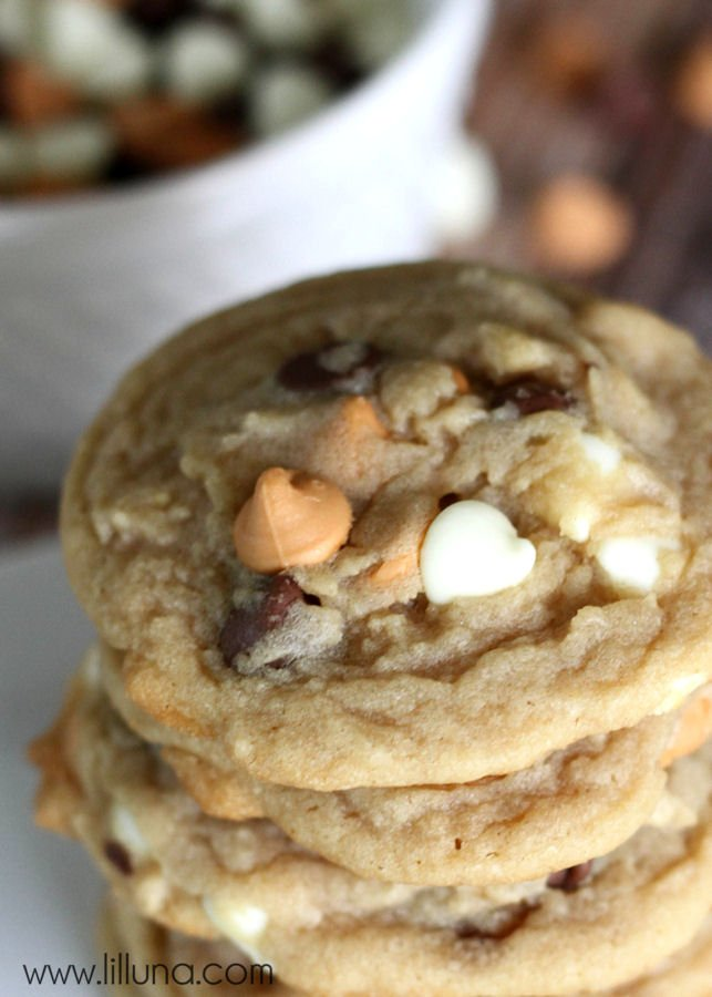 Chewy Triple Chocolate Chip Cookies recipe via @PagingSupermom