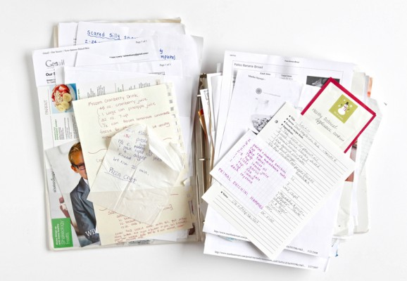 YIKES! My recipe binder looks like this -- I need to use the Free Recipe Organizing Kit from @PagingSupermom