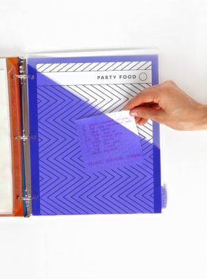 Love these cool pocket dividers from Avery -- perfect for a recipe binder. Get the free printables @PagingSupermom