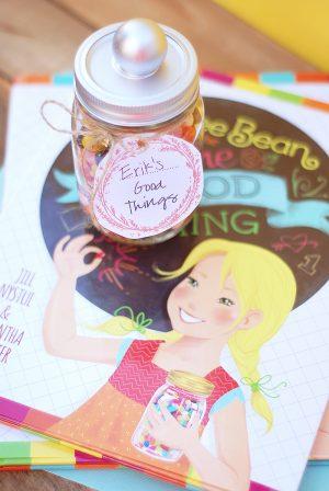 Make a Good Things Jar via @PagingSupermom