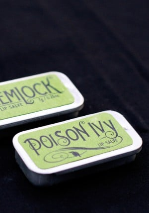 Recipe for Poison Lip Balm #Halloween Party Favor with free printable labels via @PagingSupermom