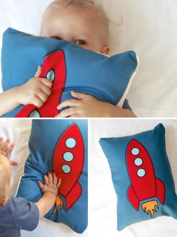 Free Printable Rocket Graphic to create a custom pillow on #shutterfly via @PagingSupermom