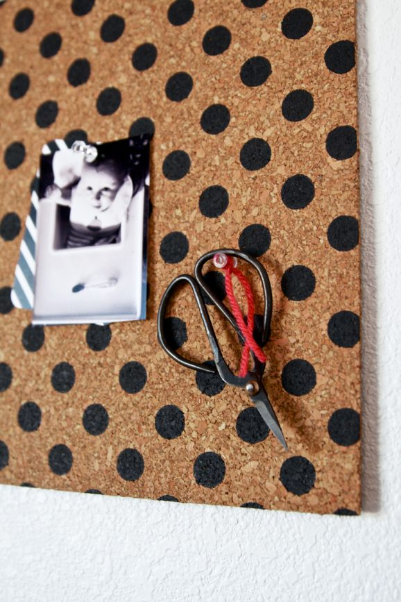 Tutorial for Polka Dot Bulletin Boards via @PagingSupermom #tulipforyourhome