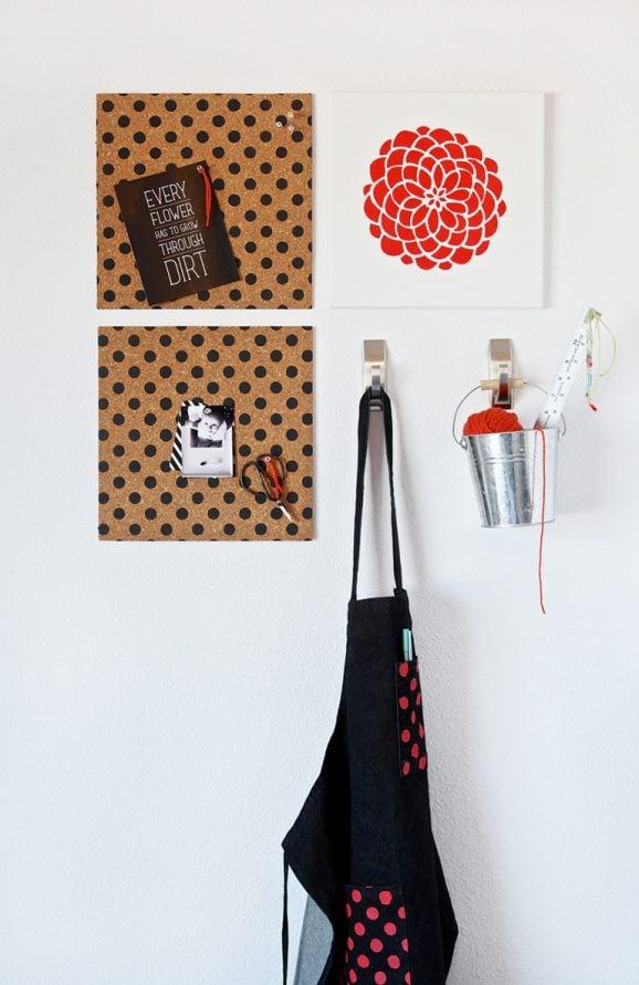 Love this DIY Polka Dot Bulletin Board + Cute Inspiration Print #freepritnable via @PaigngSupermom #tulipforyourhome