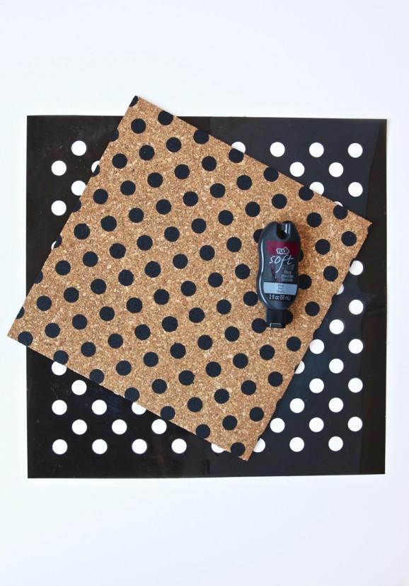 How to Make a Polka Dot Bulletin Boards via @PagingSupermom #tulipforyourhome