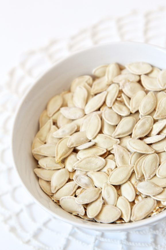 Do you know the shortcut for roasting perfect pumpkin seeds? via @PagingSupermom #Fall
