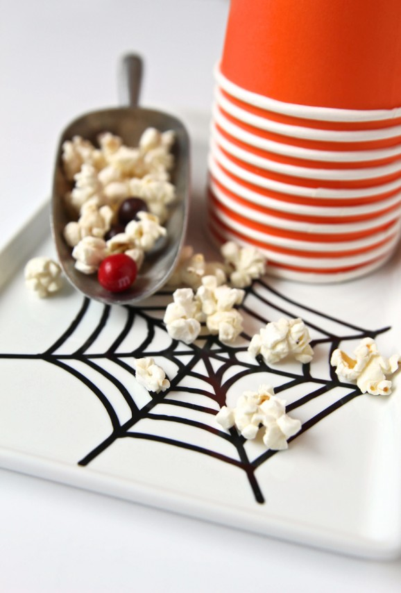 DIY Spooky Spider Web Jar -- FREE #Cricut cut file from @PagingSupermom #Halloween