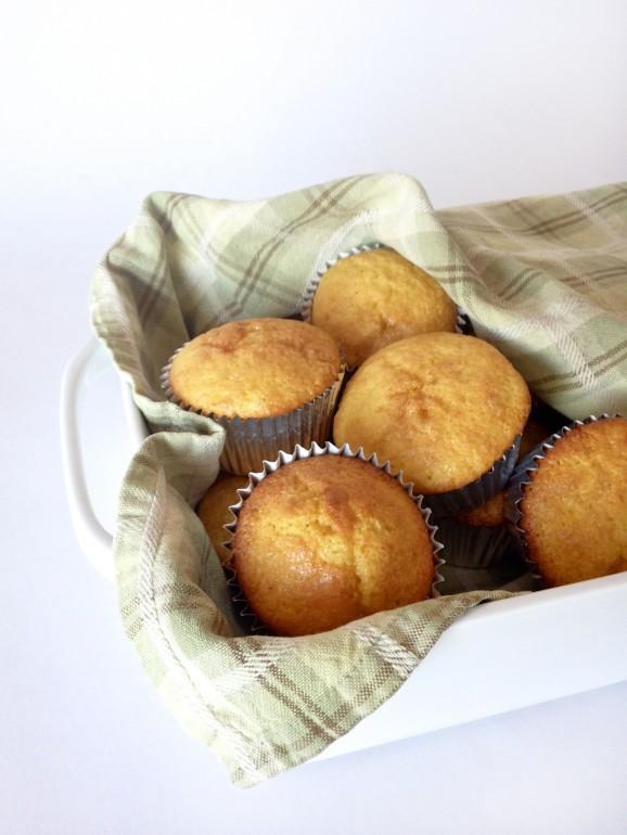 Our favorite Shortcut Corn Bread Muffins Recipe via @PagingSupermom #Thanksgiving