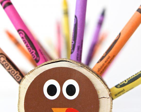 DIY Crayon Turkeys