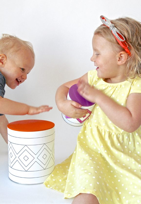 Kids love these Tin Can Drums! Make this Thanksgiving Kids Craft with your little ones.