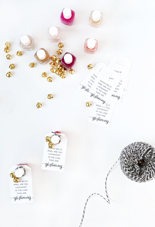 Christmas Gift Ideas with FREE Printable Gift Tag for Nail Polish via @PagingSupermom #Christmas
