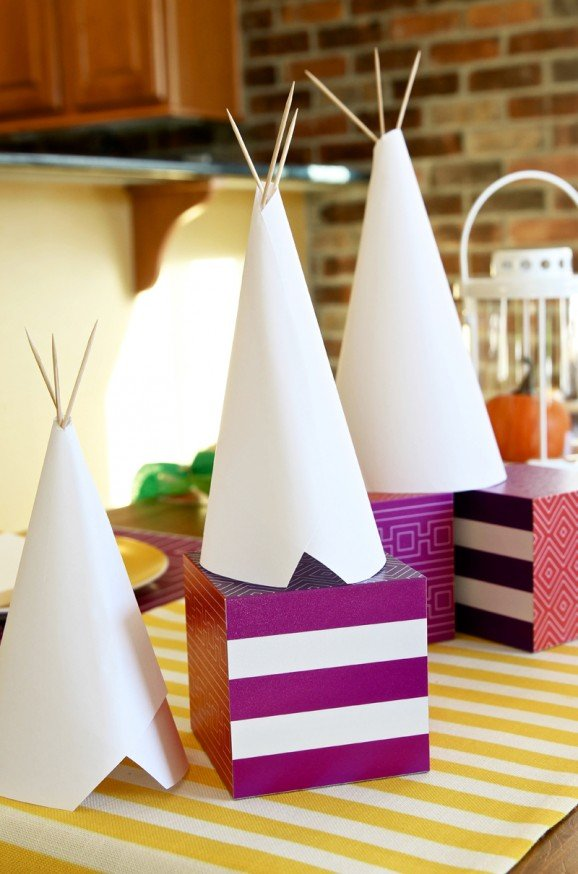 Easy Indian Native American DIY Teepees Centerpiece idea for #Thanksgiving from @PaigngSupermom #ShutterflyDecor