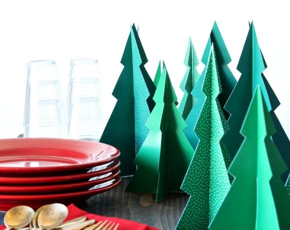 Free Printable Pine Tree Forrest -- any easy #Christmas Dinner Centerpiece