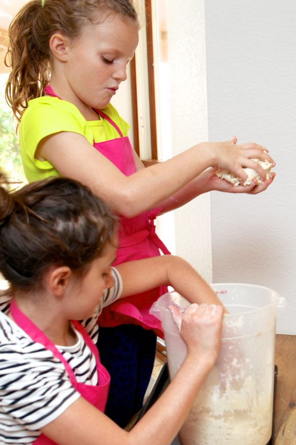 Kids making bread via @PagingSupermom #pureplay #tocakitchen