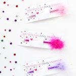 Girly Feather Pen Valentines via @PagingSupermom