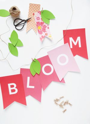 Free Printable BLOOM Banner for Spring! Put it up for Easter but leave it up all Spring via @PagingSupermom