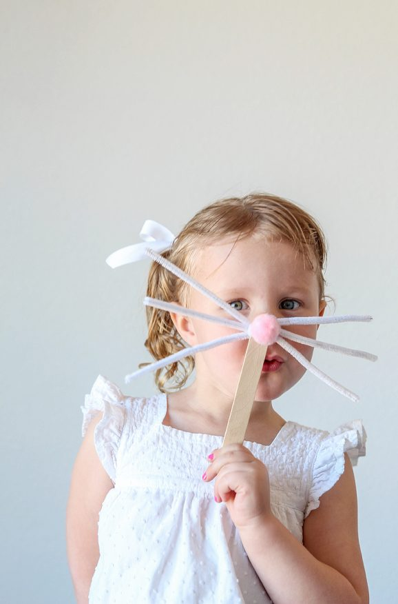 The easiest Bunny Mask is a perfect craft to do at an Easter Egg Hunt or Egg Dying party via @PagingSupermom