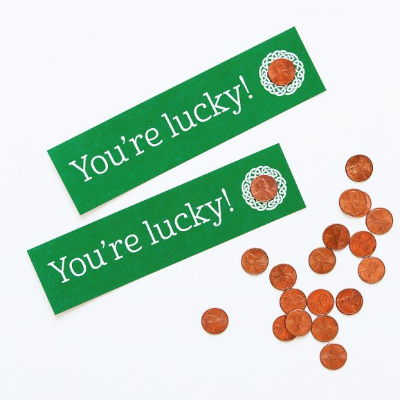 "Free Printable ""Lucky Penny"" bookmarks plus tips for shiny up old pennies via @PagingSupermom"