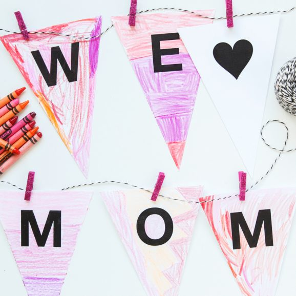 How cute is this FREE Mother's Day Banner that kids can color from @PagingSupermom