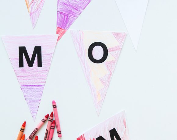 We Heart Mom Coloring Banner